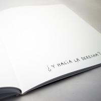 """Detalle del libro """"Colores"""". [Descripción de imagen] En páginas interiores, el texto: """"¿Y hacia la derecha?""""."""