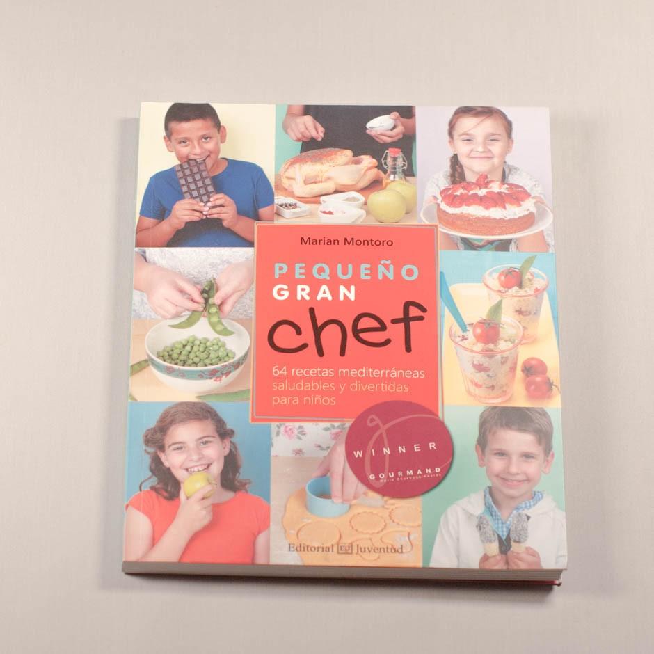 """Libro """"Pequeño gran chef. 54 recetas mediterráneas saludables y divertidas para niños y niñas""""."""