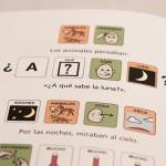 """Pagina del Libro """"A QUE SABE LA LUNA"""" en la que aparecen pictogramas"""